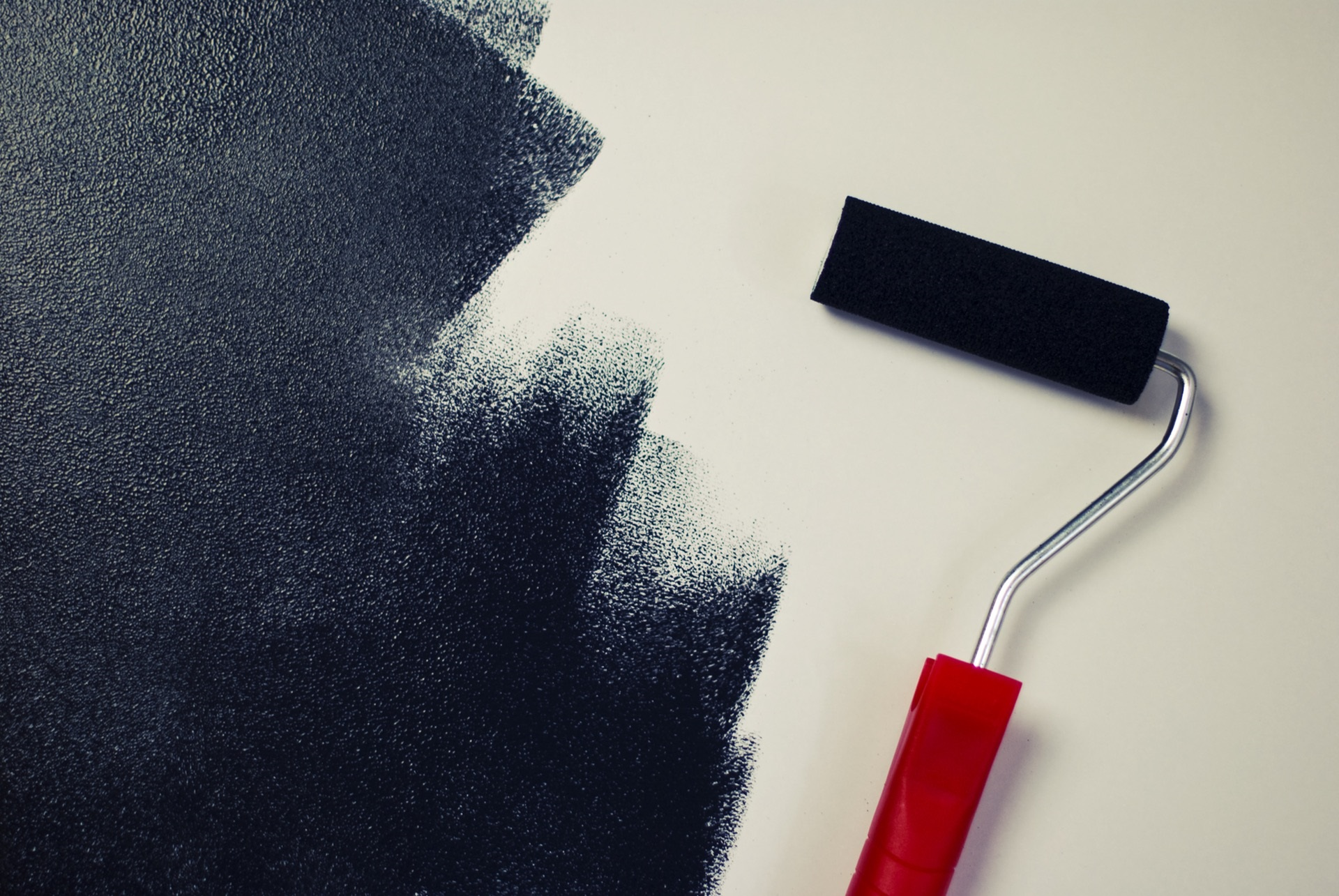 Construction Contracting: 4 Essential Safety Strategies When Mixing Volatile Paints