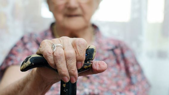 Home is Where the Heart is: 5 Signs It is Time to Move into an Assisted Living Home